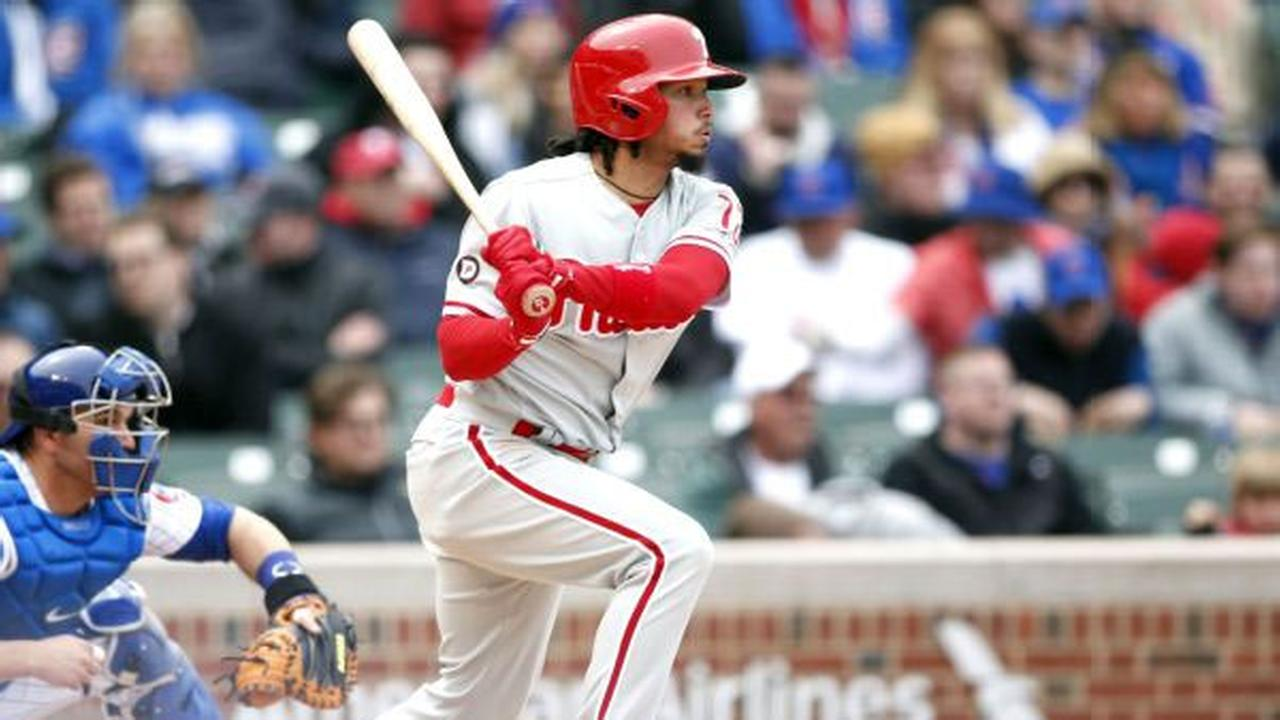 Phillies trade SS Freddy Galvis to Padres for pitching prospect