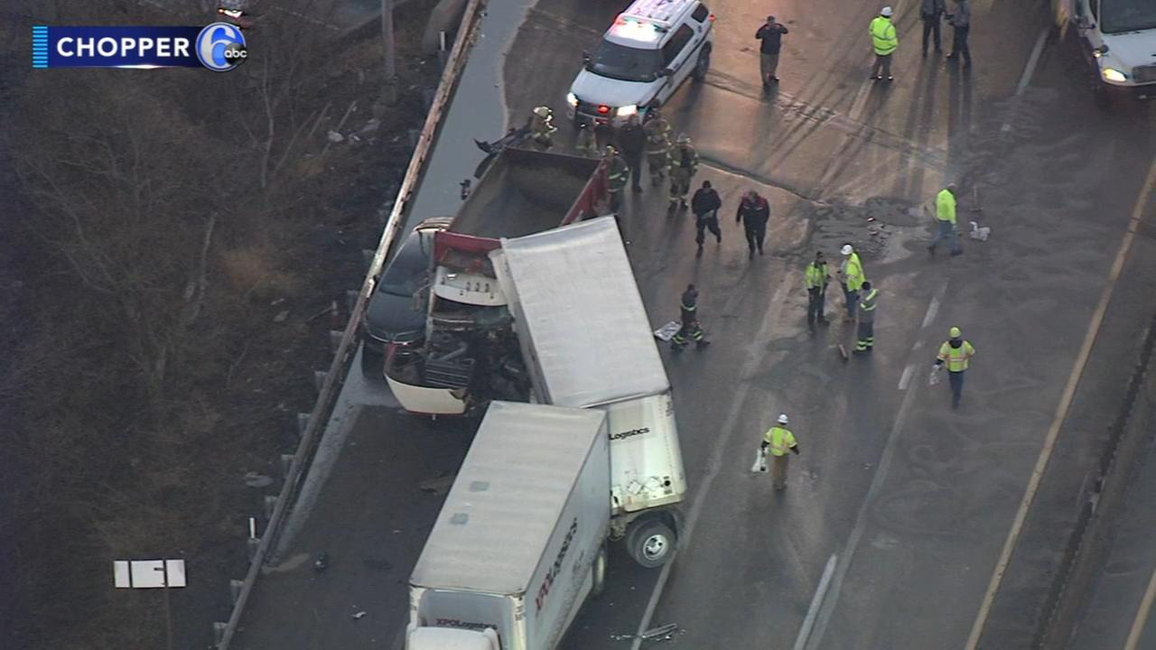 Traffic resumes after Pa. Turnpike crash