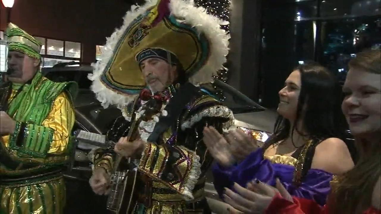 Mummers vote to strut down Broad Street on Monday