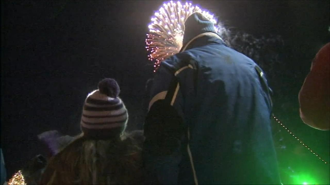 Revelers brave cold to celebrate New Years Eve in Philly
