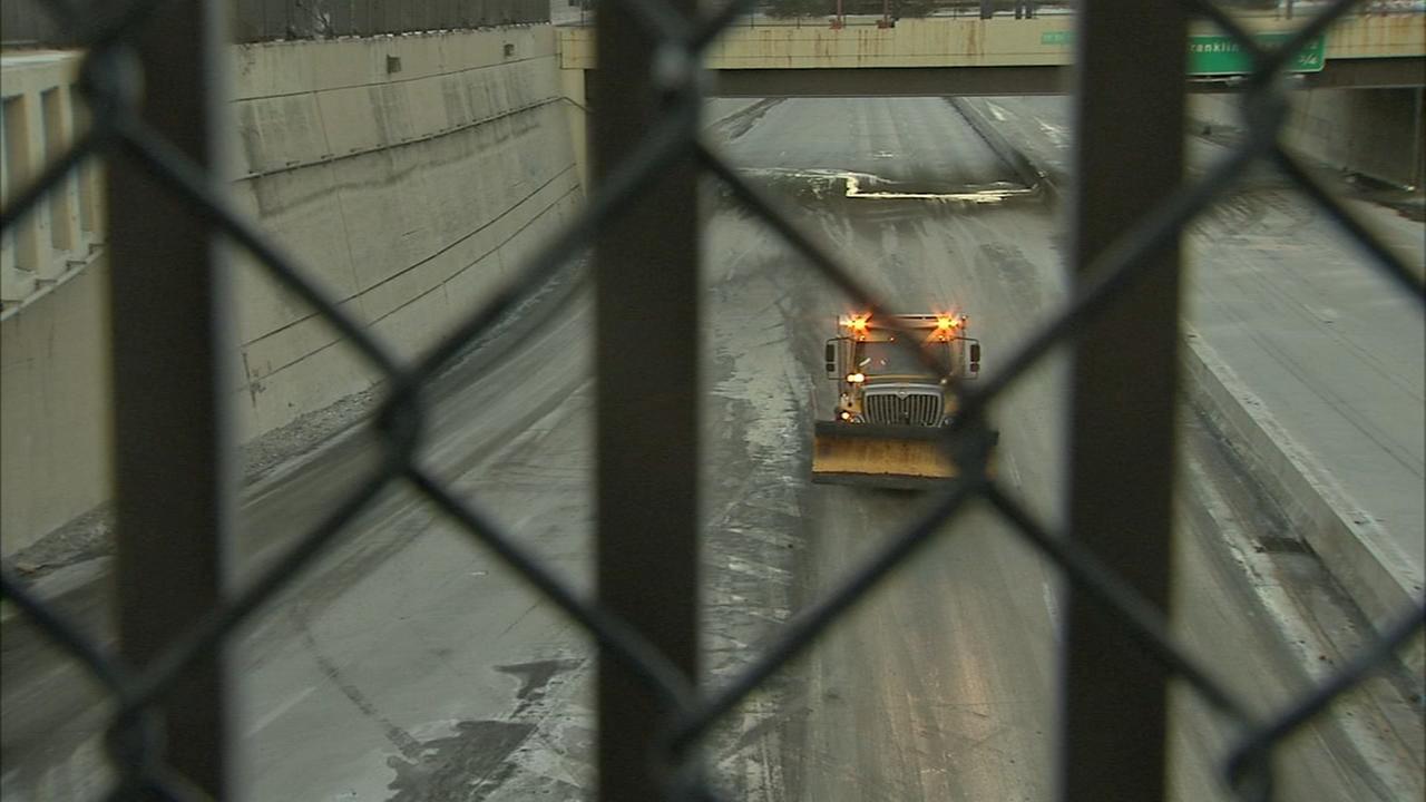 Ice from water main break shuts down Vine St Expressway