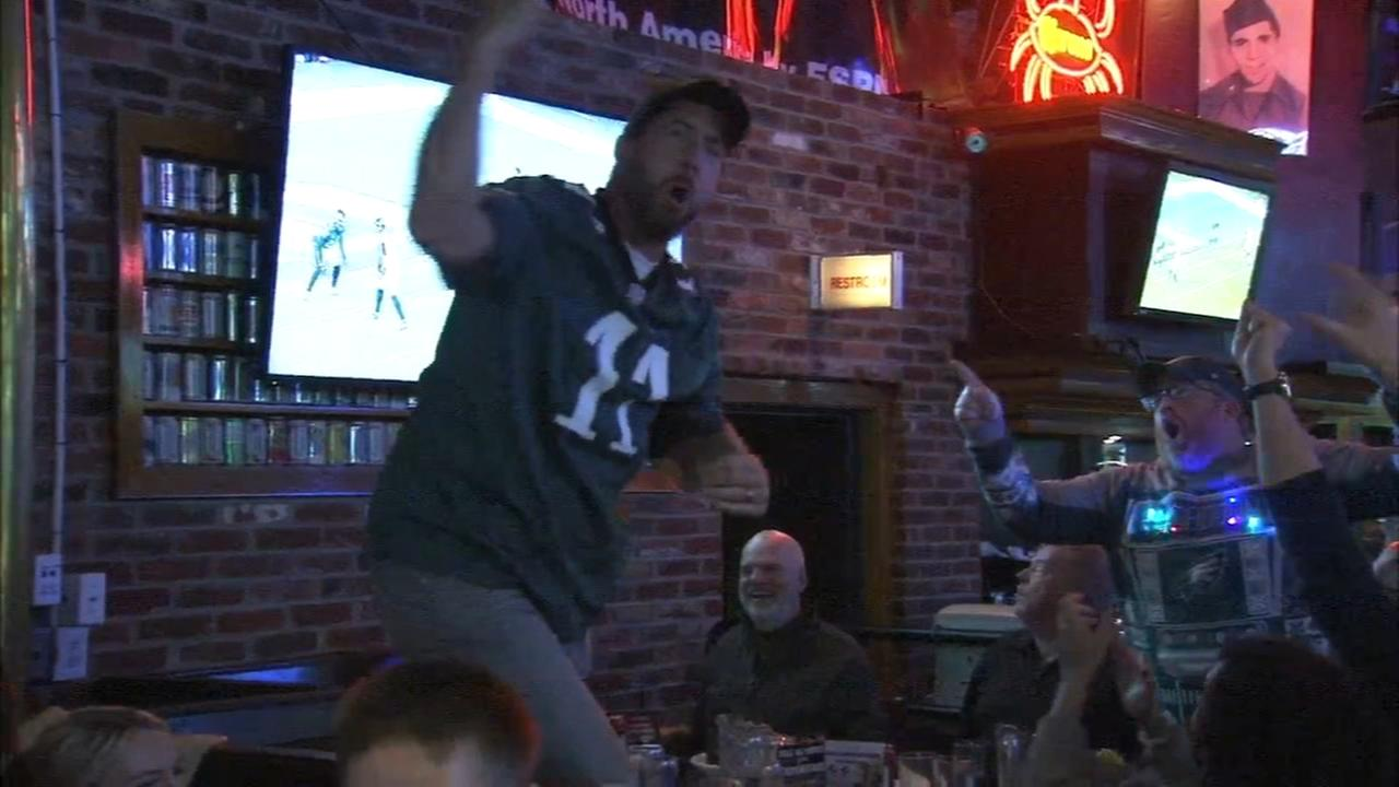 Eagles fans celebrate win at Chickies and Petes
