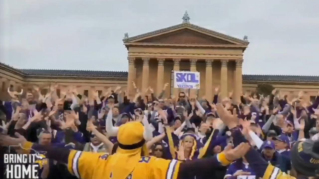 Vikings fans gather to cheer at Art Museum