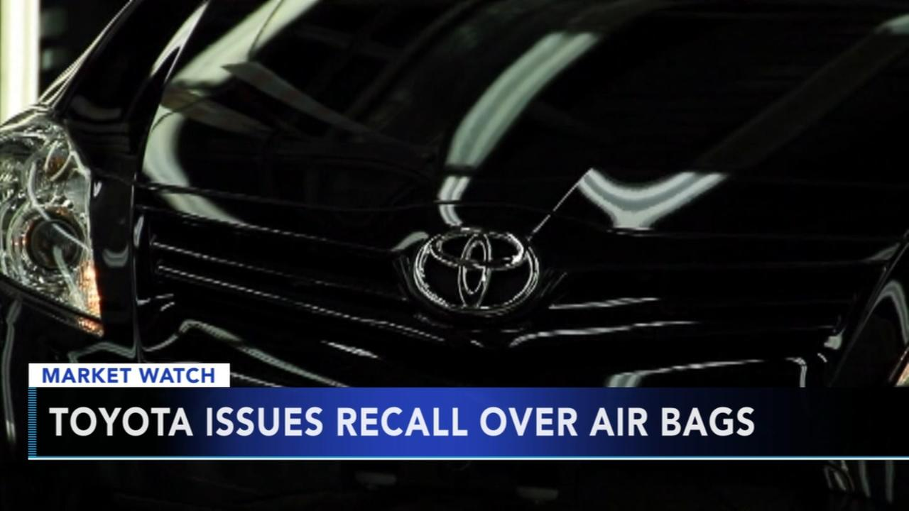 Toyota issues recall over air bags