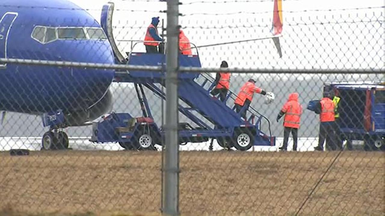 Southwest Airlines jet slides on taxiway in Maryland