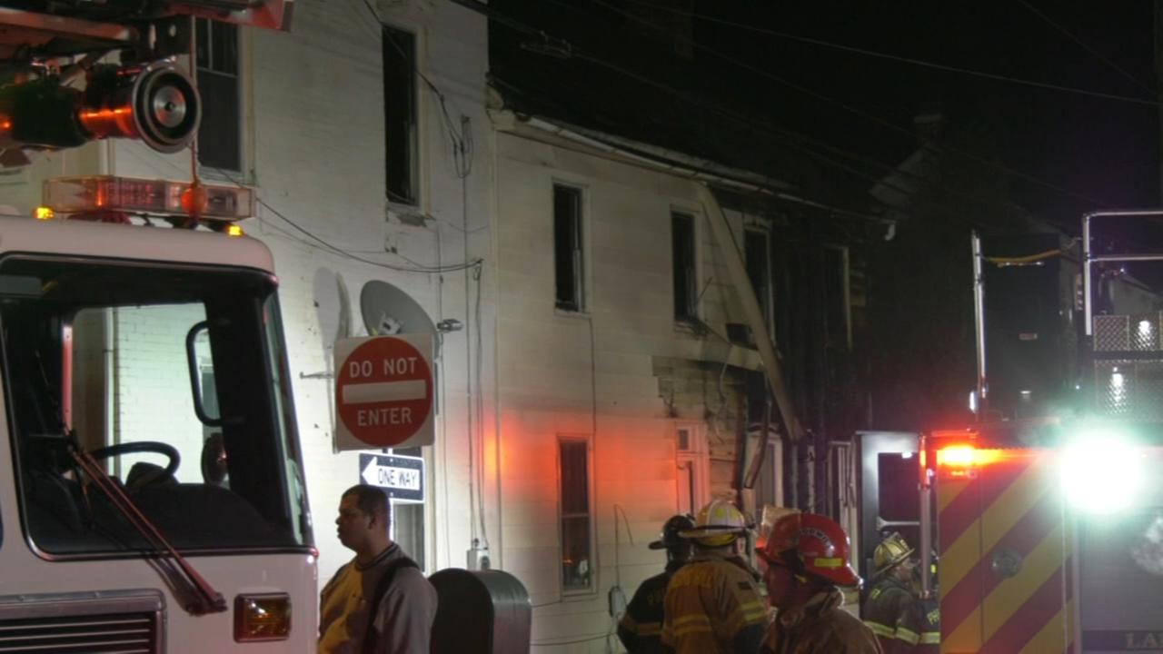 Fire damages apartment building