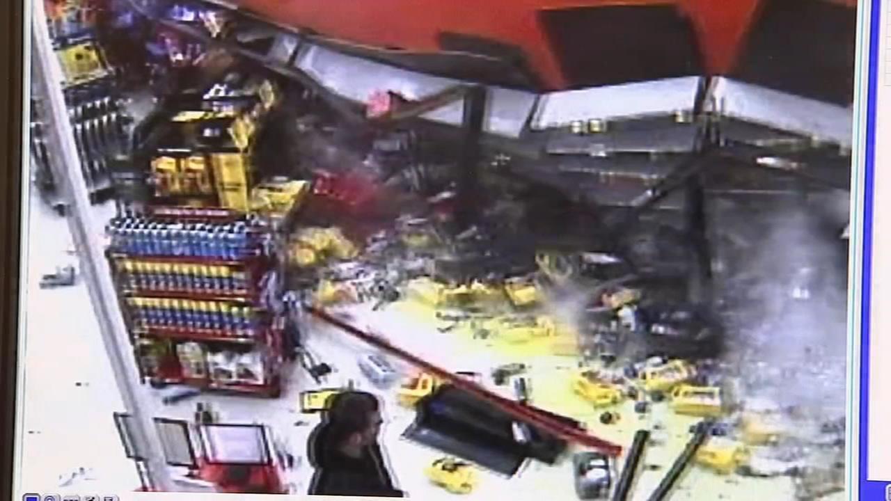 Car crashes into Ventnor AutoZone