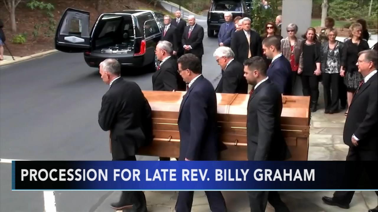 The body of Rev. Billy Graham arrives to hometown
