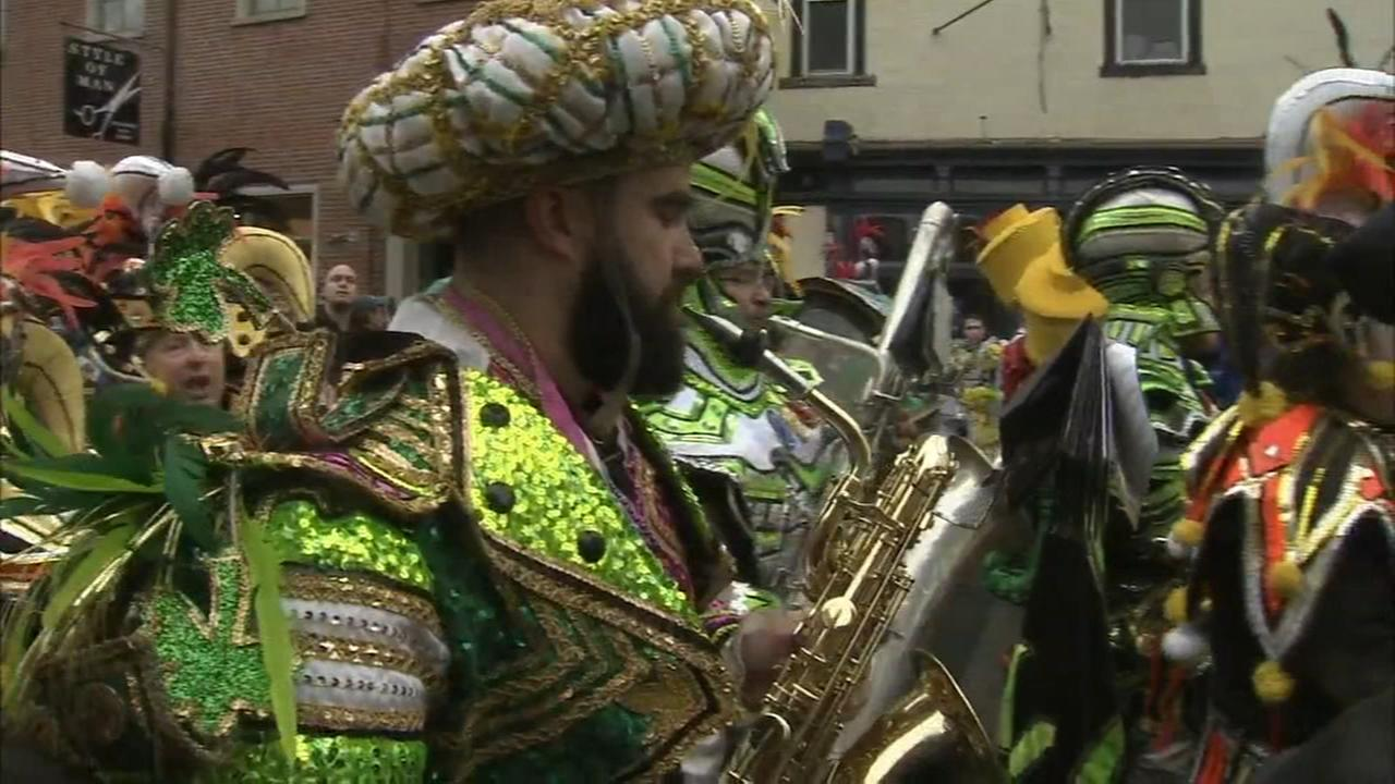 Kelce struts in Manayunk mummers parade