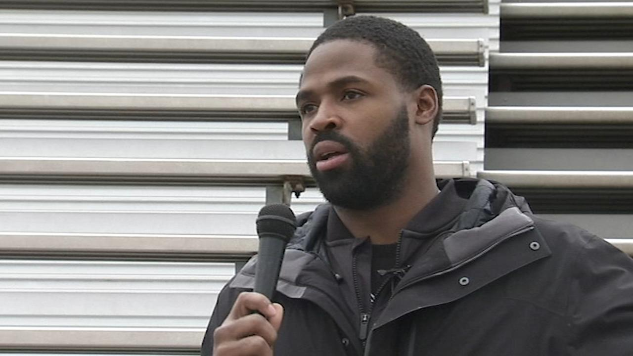 Torrey Smith speaks at Plymouth Whitemarsh