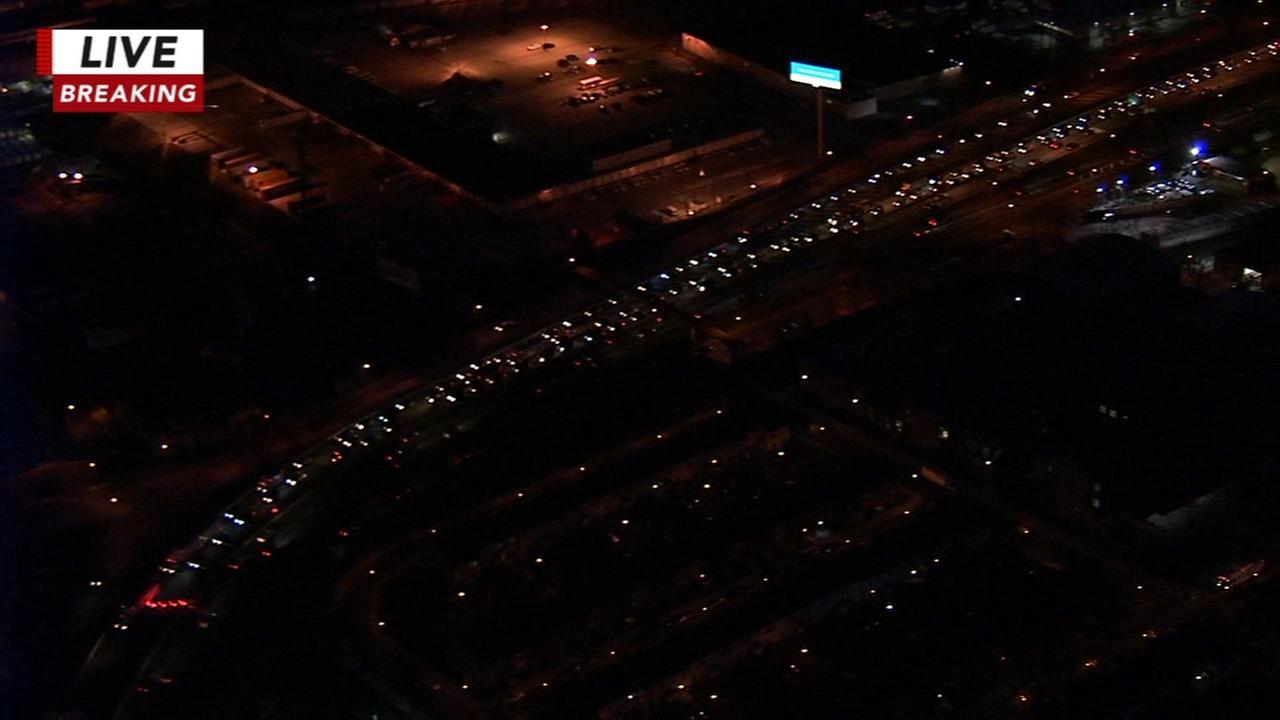 Crash causes backup on Schuylkill Expressway