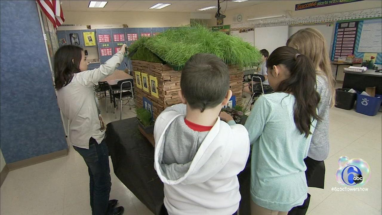 Flower Show: Kids with flower power