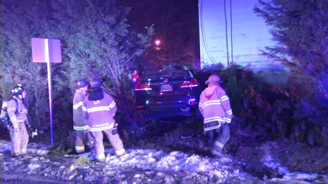 Vehicle crashes into home in Belvedere, Delaware