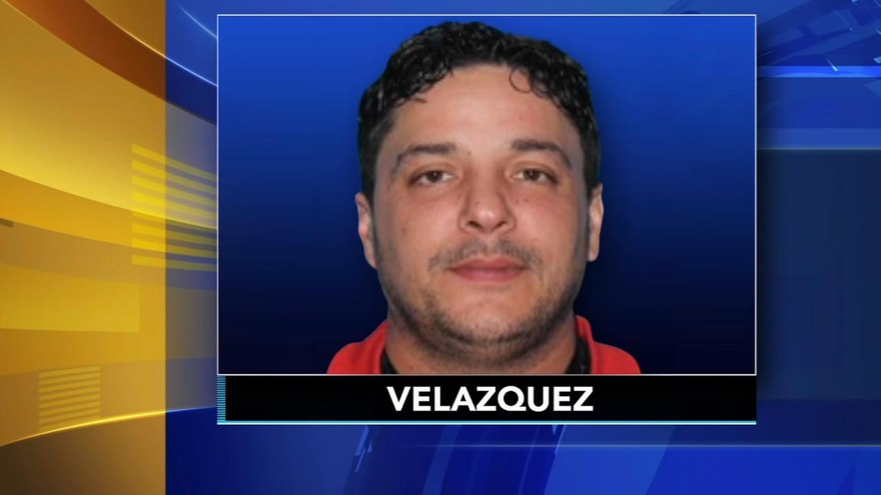 Philadelphia police search for rape suspect