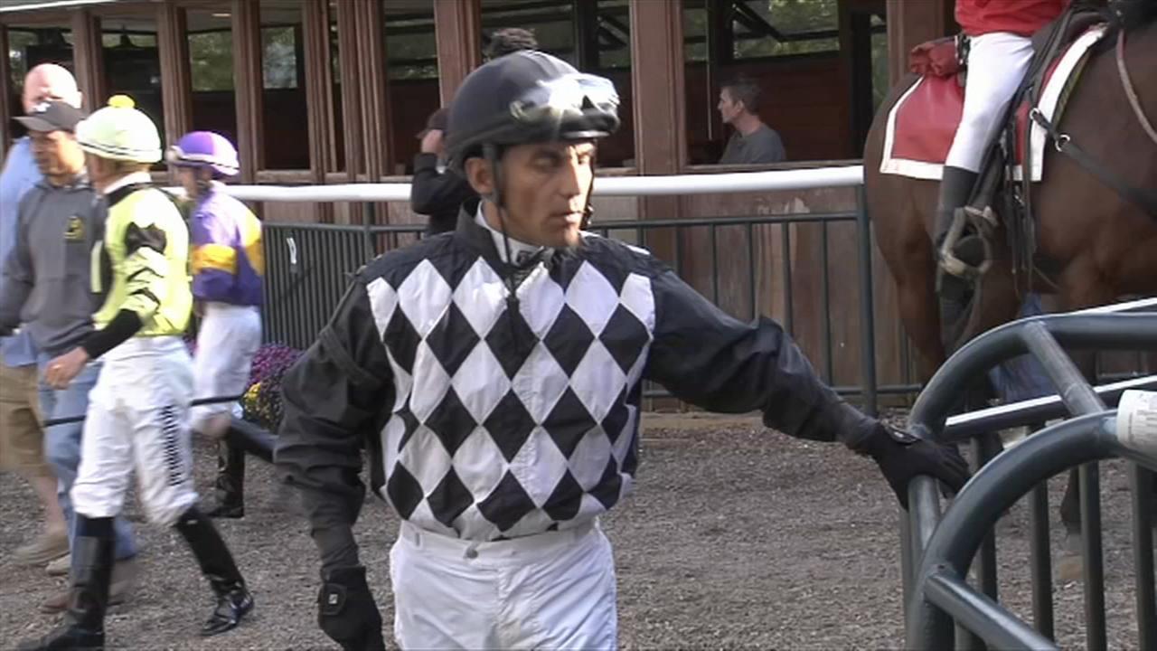 Jockey Jose Flores dies following racing accident at Parx