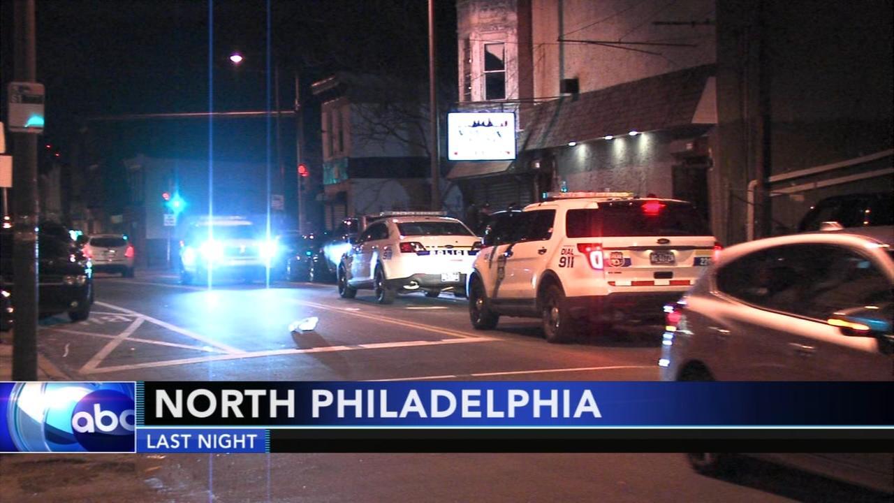 Police investigate double shooting outside North Philadelphia restaurant