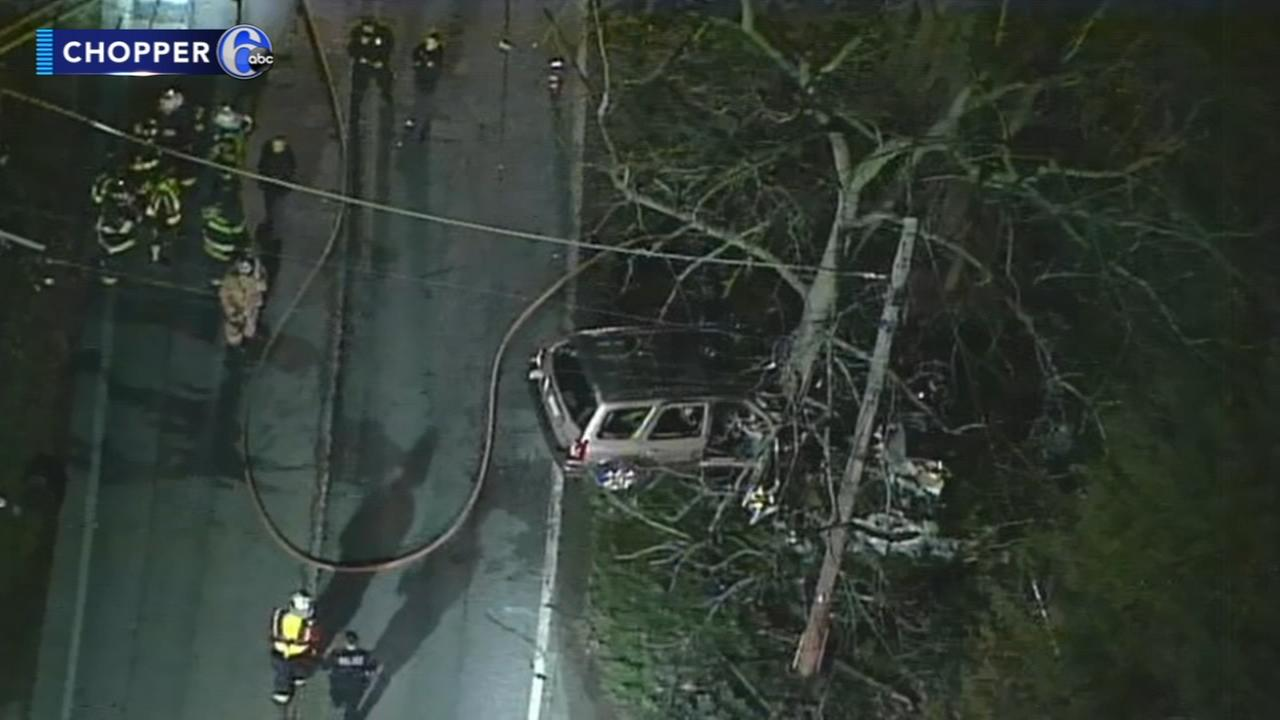 2 killed, 3 police officers hospitalized after Chester County crash