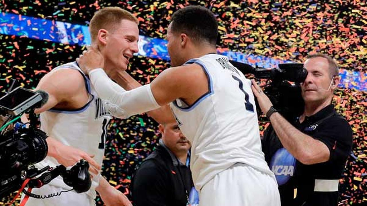 Villanovas Donte DiVincenzo, left, and Jalen Brunson celebrate after the championship game.