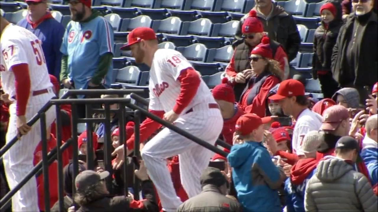 Kapler booed by Philly fans in home opener, tops Marlins 5-0