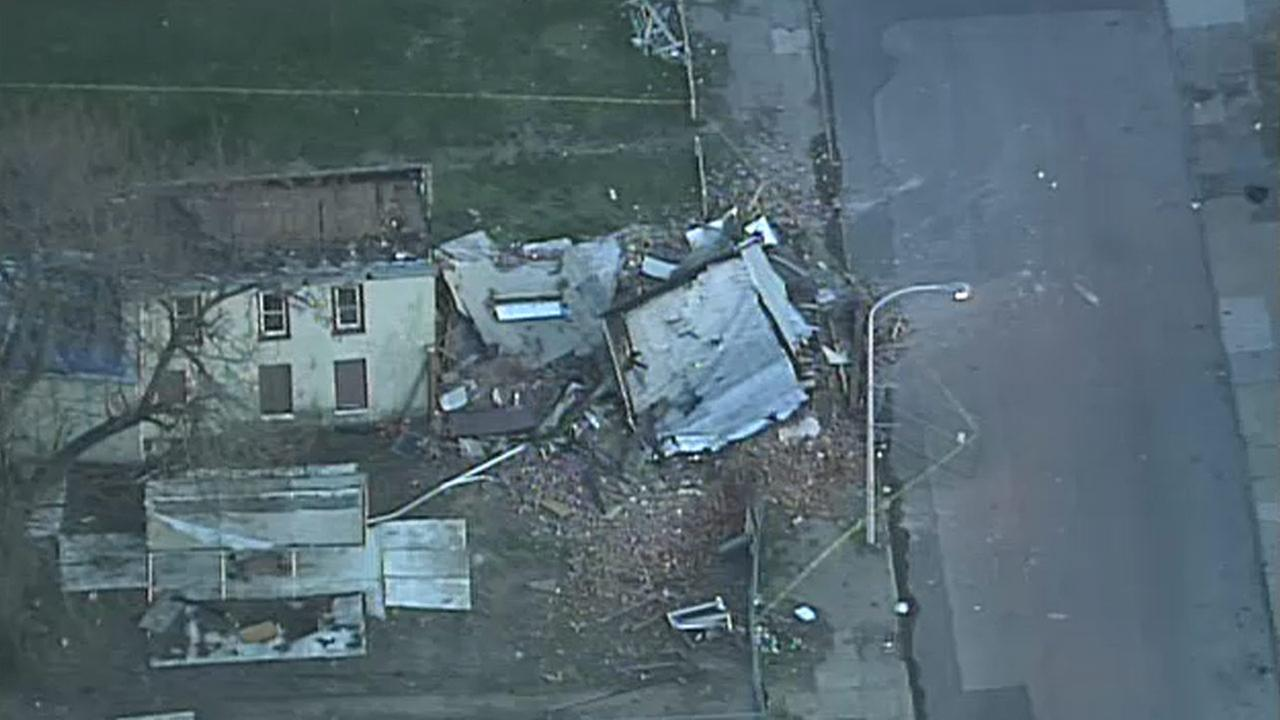 House collapses in North Philadelphia