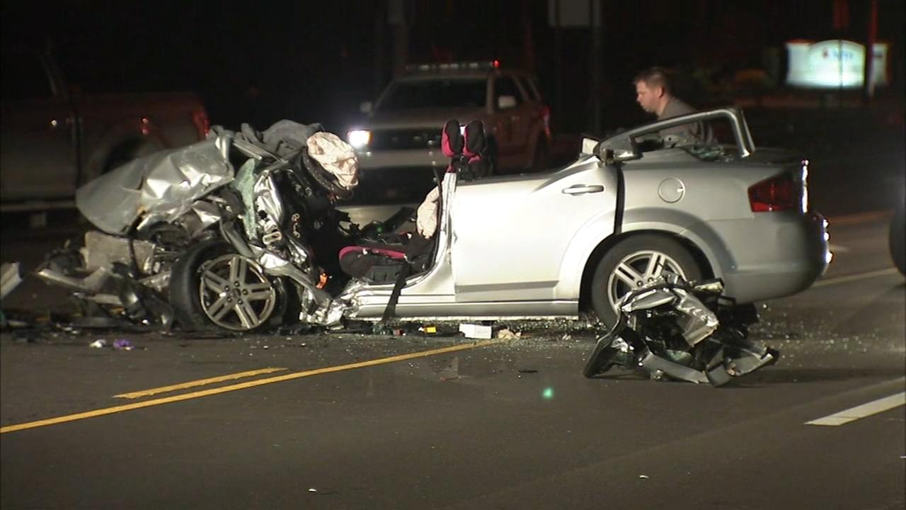 2 injured in Southampton crash