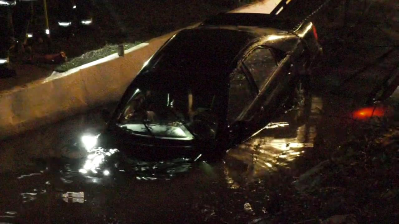 Car plunges into Neshaminy Creek