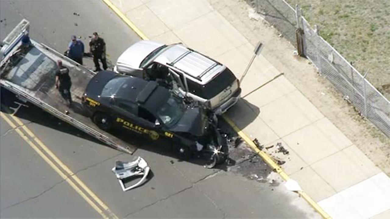 2 injured after police car, SUV collide in Millville, New Jersey