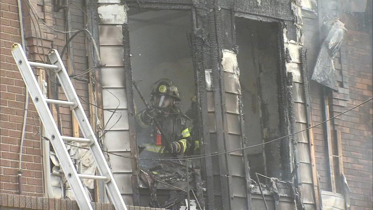 1 person injured in row home fire in Point Breeze