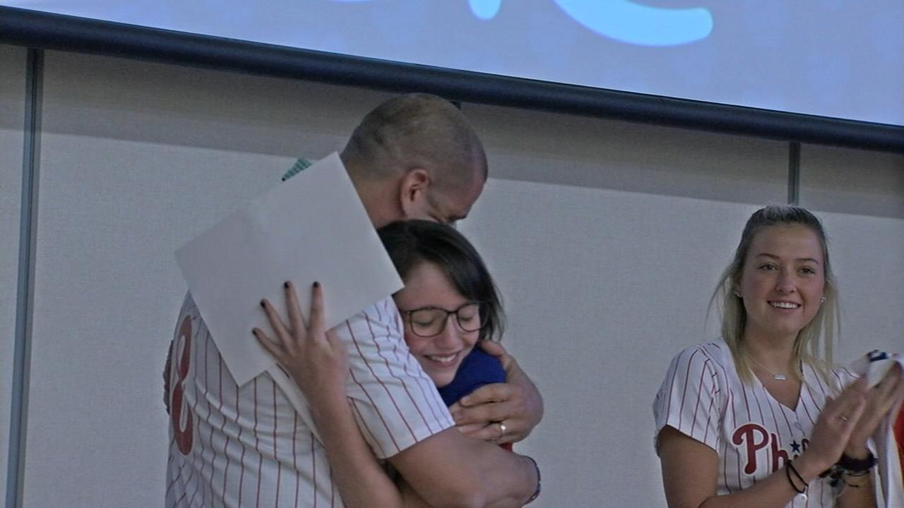 Phillies honor teacher after students touching letter