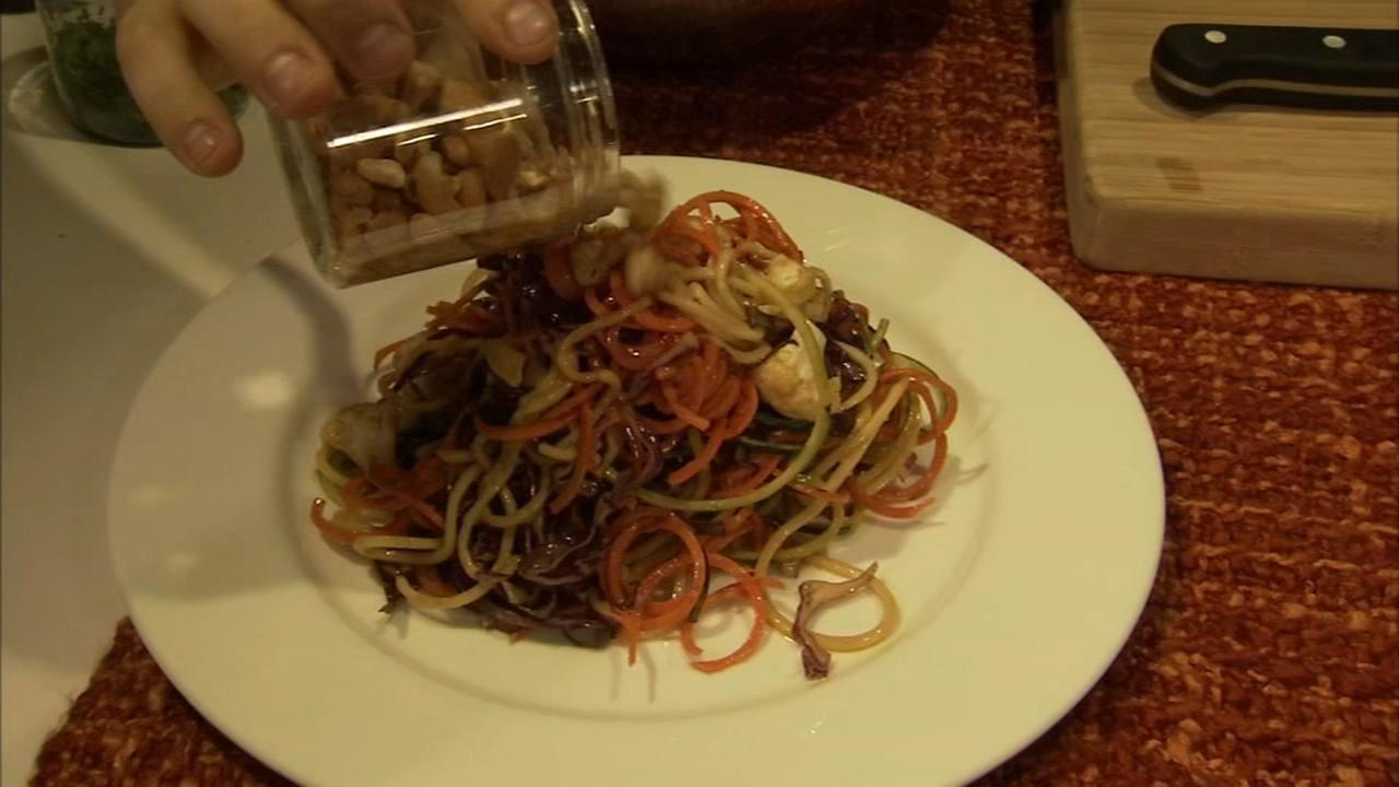 6 Minute Meal and Deal: Raw Vegan Pad Thai