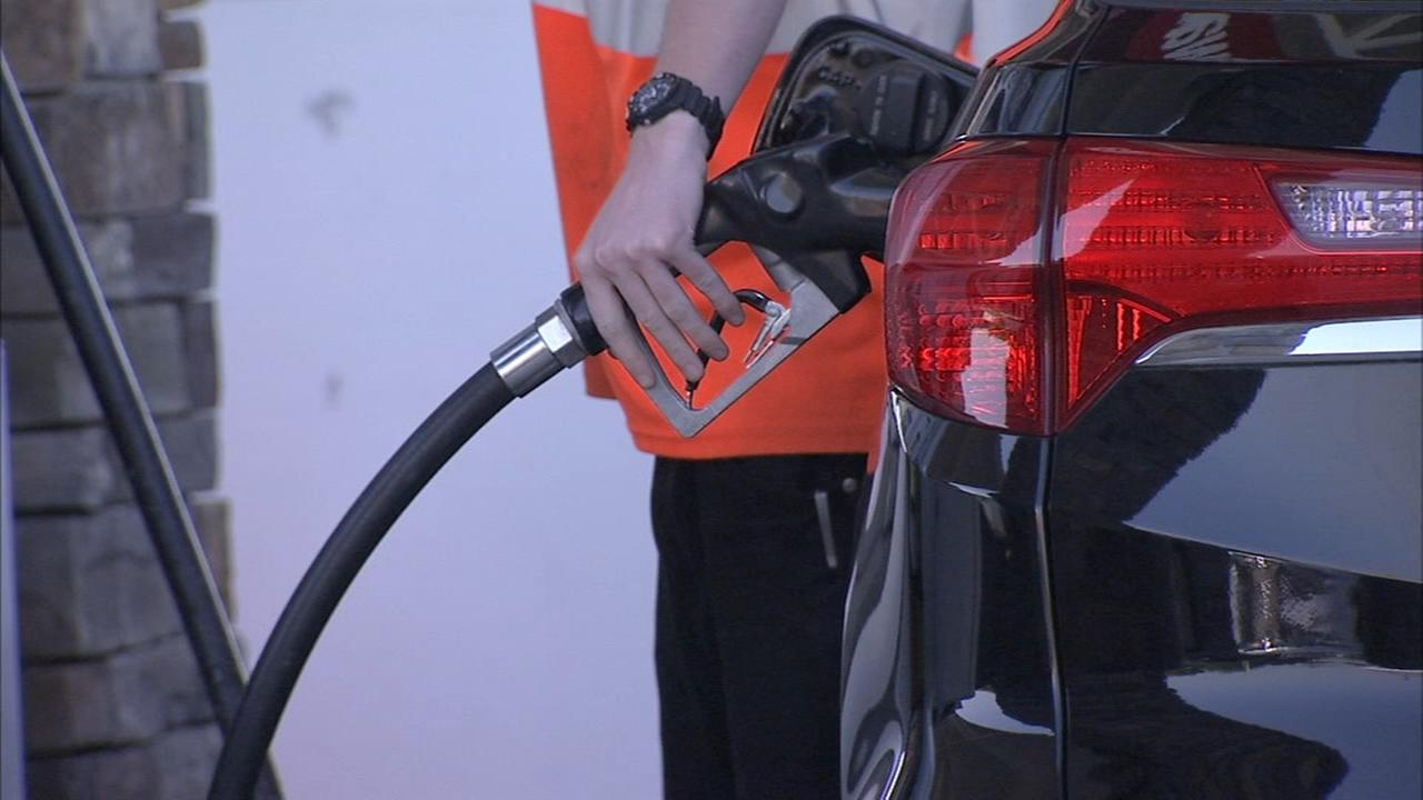 Gas prices rise as holiday weekend arrives