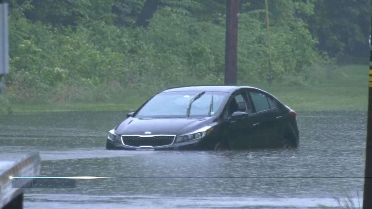 Rain brings flooding to Delaware Valley