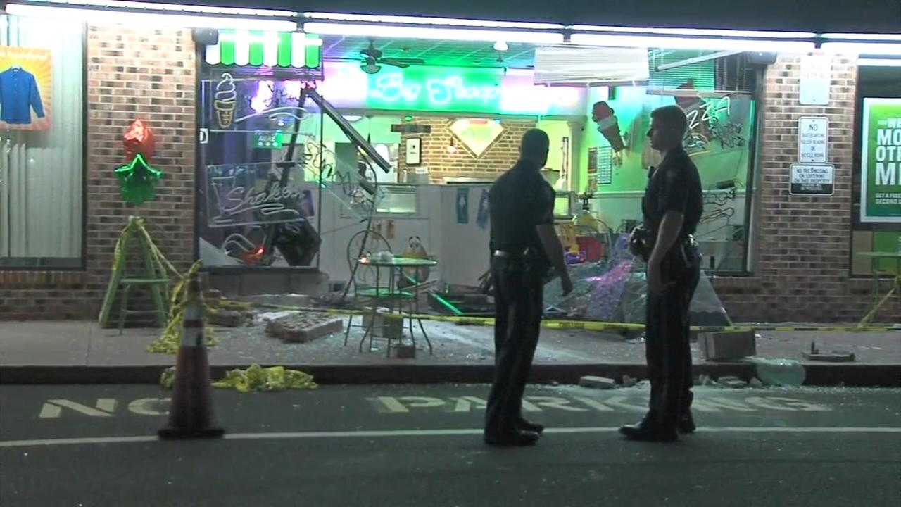 Car crashes into Warminster ice cream parlor