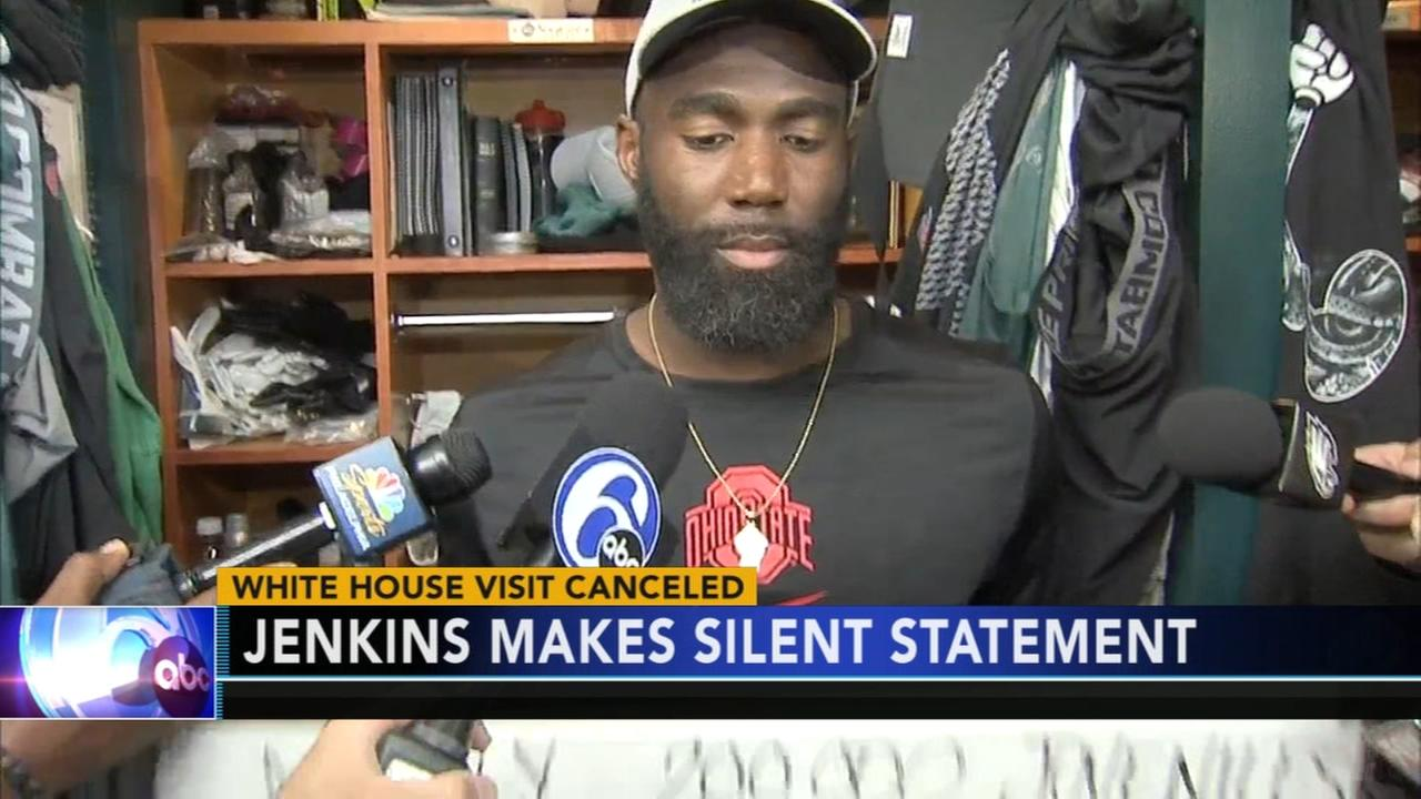 Malcolm Jenkins responds to White House snub with signs