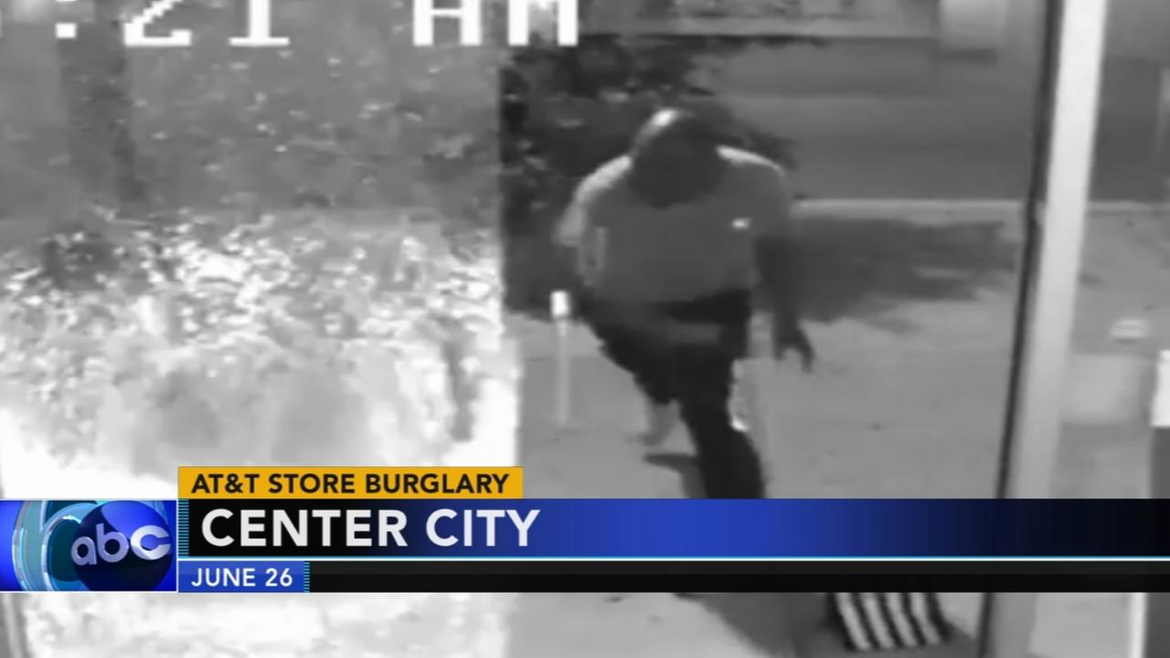Video shows smash-and-grab burglary