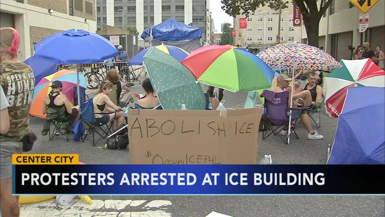 29 protesters arrested at ICE building