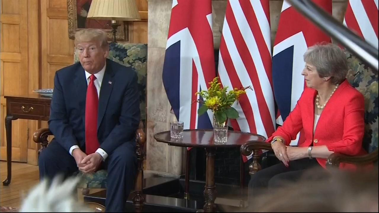 Trump interview adds to chaos on 1st British visit
