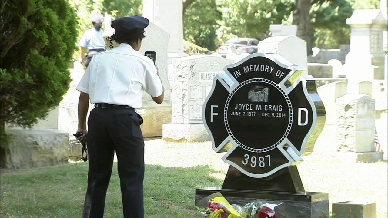 Headstone unveiled for fallen firefighter in Philadelphia