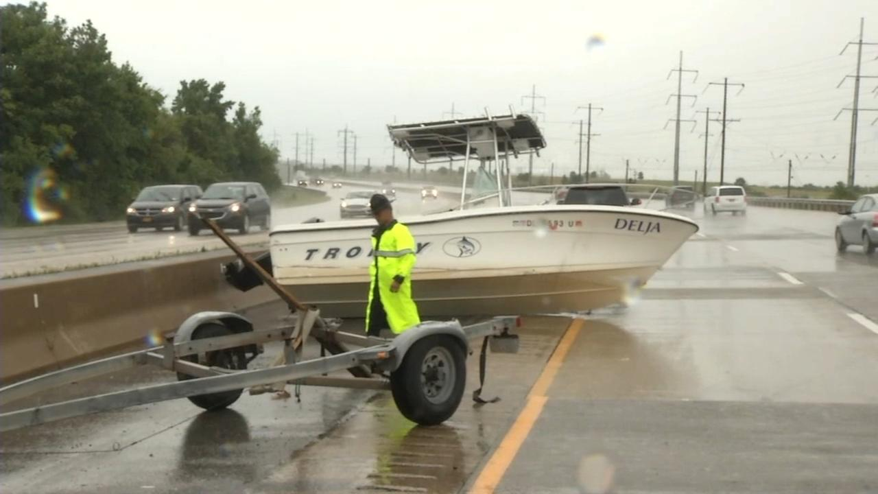 Crash strands boat on I-495
