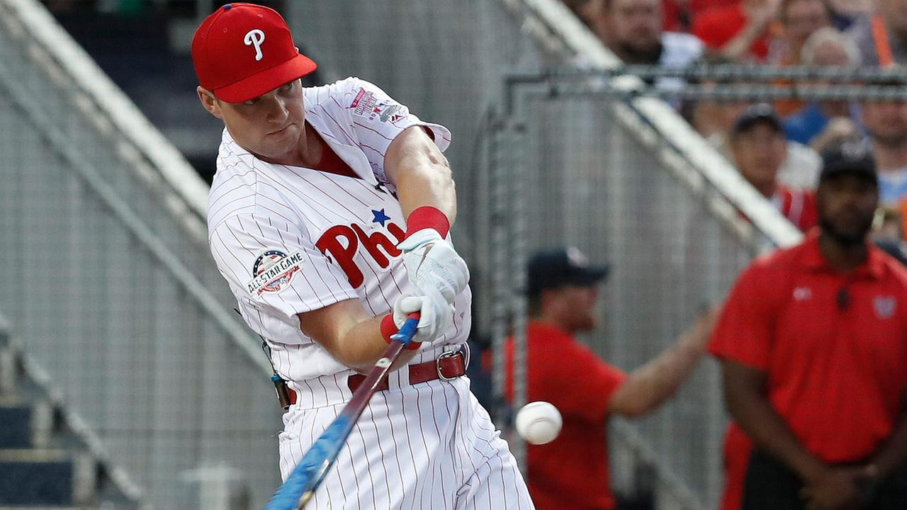 Philadelphia Phillies Rhys Hoskins (17) hits during the MLB Home Run Derby, at Nationals Park, Monday, July 16, 2018 in Washington.