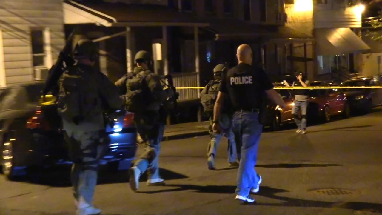 Police: Machete-wielding man subdued after standoff at home
