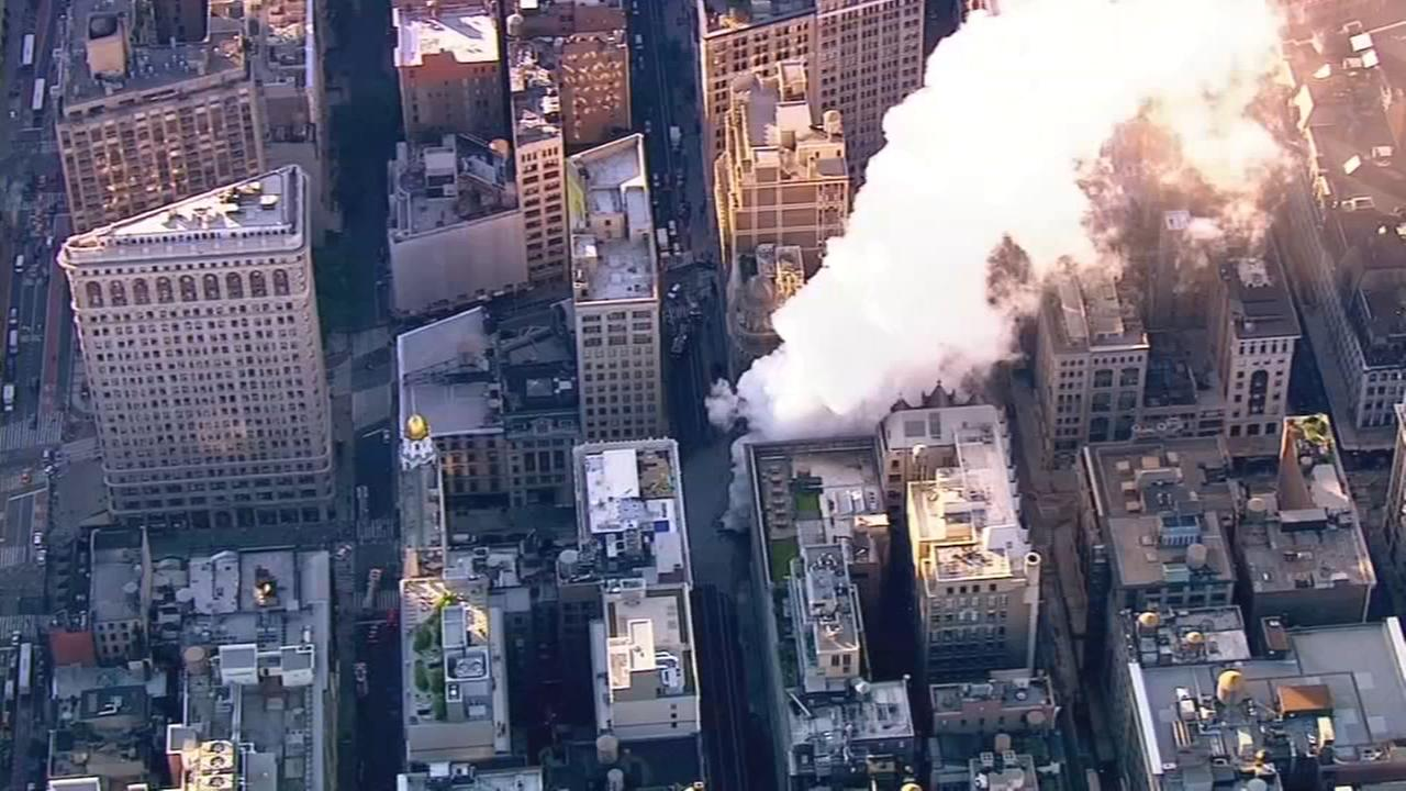 28 buildings evacuated in NYC steam pipe explosion