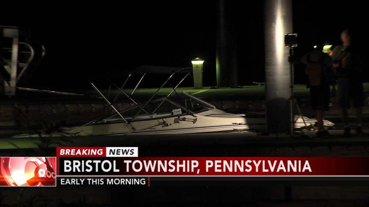 4 people rescued following boating accident on the Delaware River