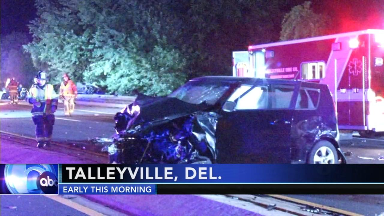 7 hurt in crash in Talleyville, Delaware