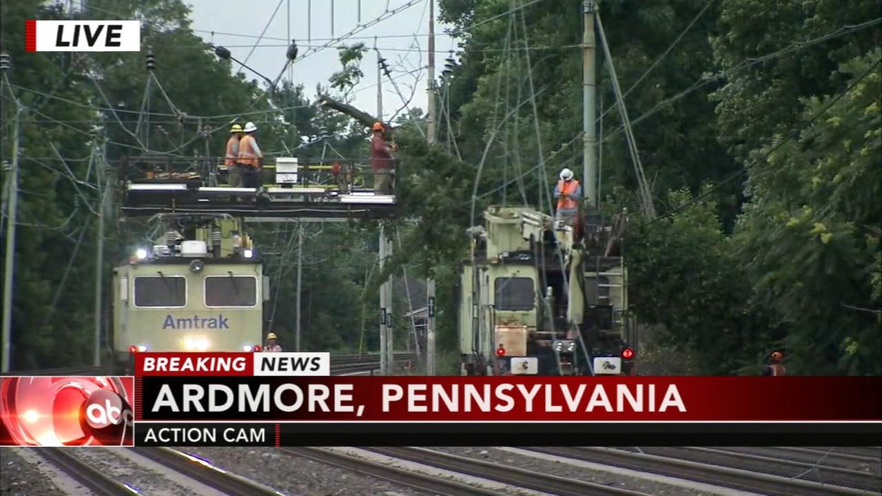 Paoli-Thorndale line suspended due to wires on the track