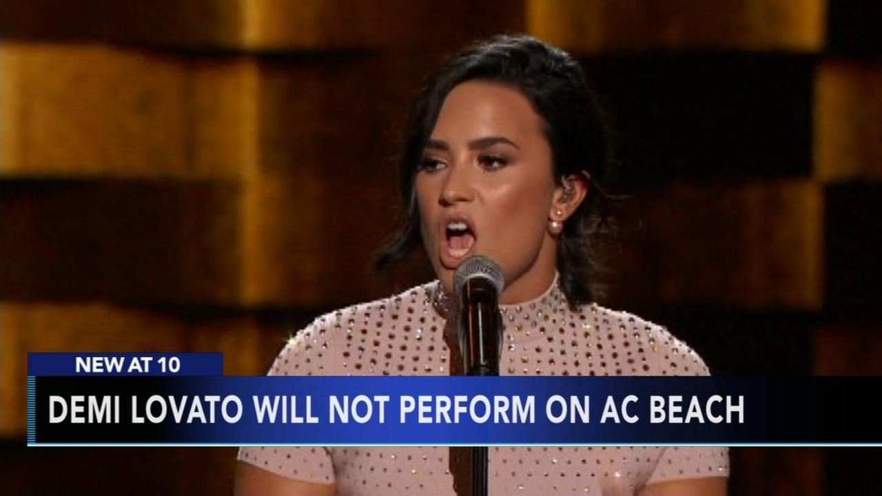 Demi Lovato hospitalized for apparent drug overdose