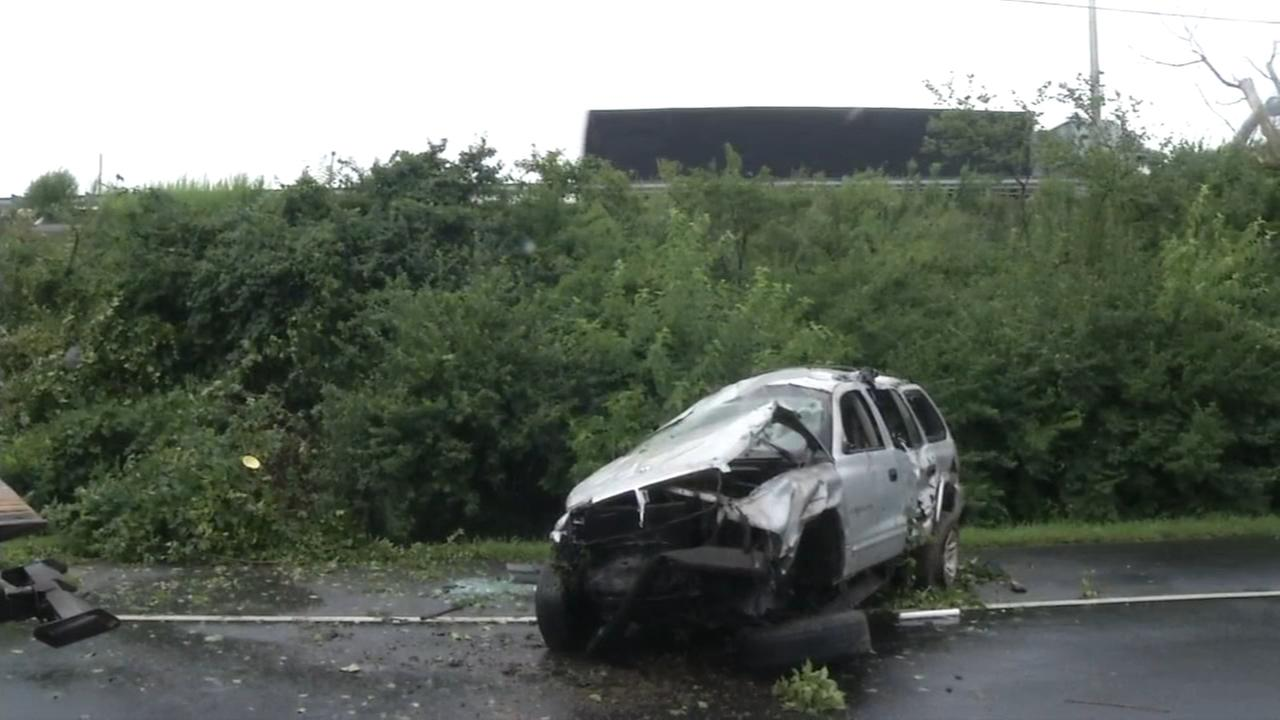 SUV crashes on I-495 South in New Castle