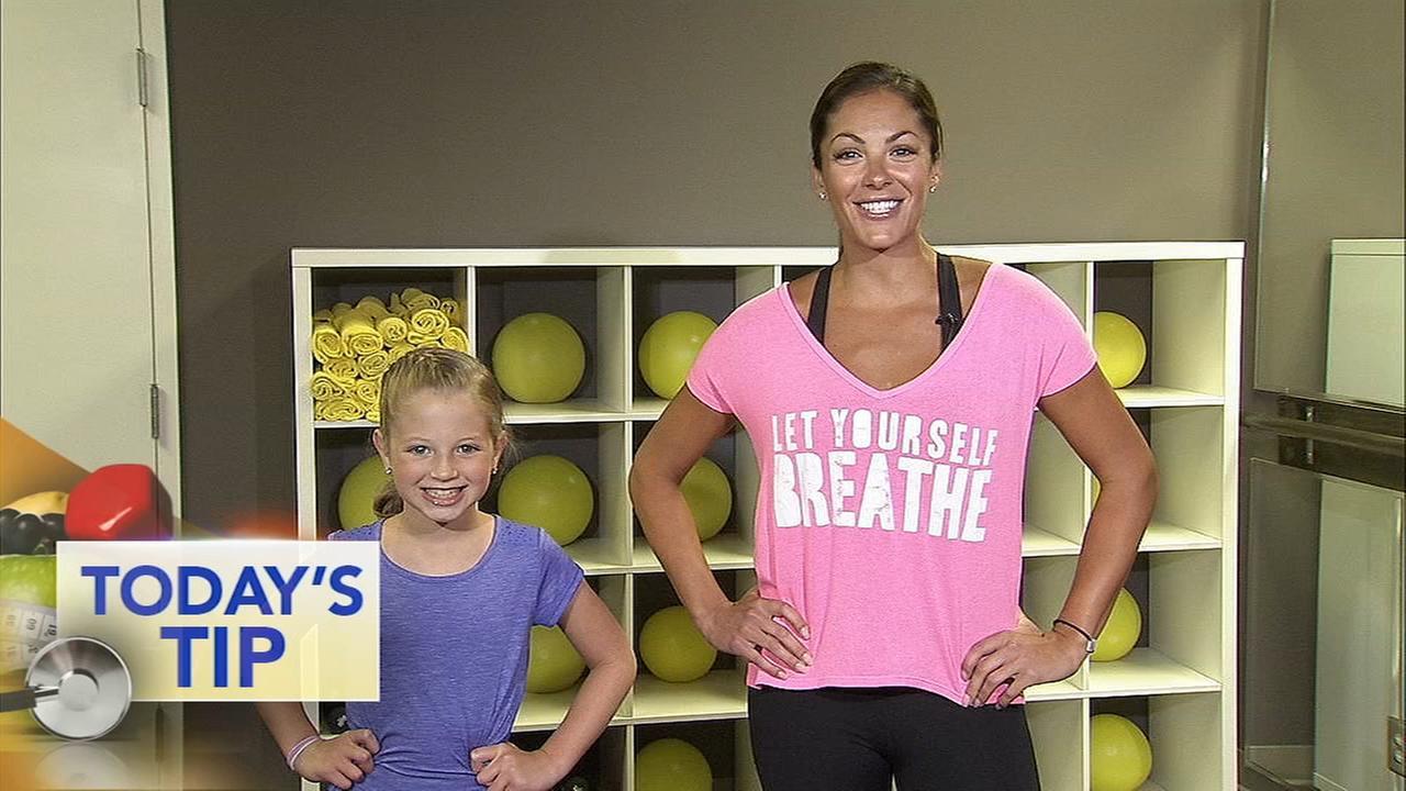 Crisscross squat - Todays Fitness Tip
