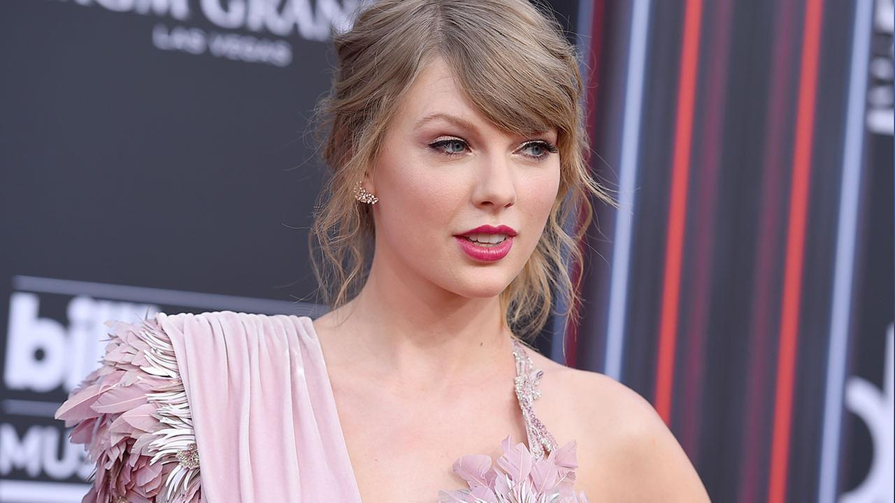 Taylor Swift is helping ease the pain of a Massachusetts city mourning the recent loss of a police officer.