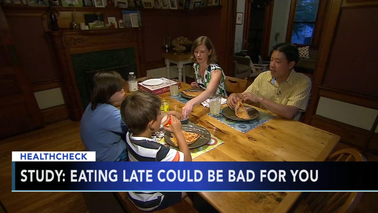 The time you eat dinner may be impacting your health